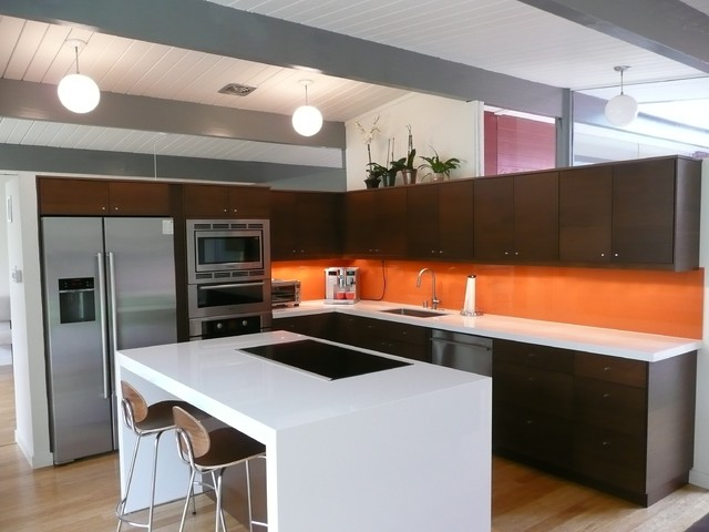 Eichler Kitchen Remodel With Painted Glass Backsplash Modern Kitchen Orange County