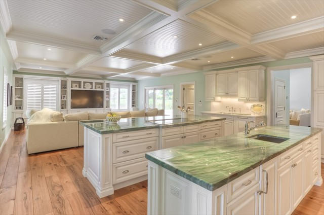 green countertop kitchen ekb 1 1363
