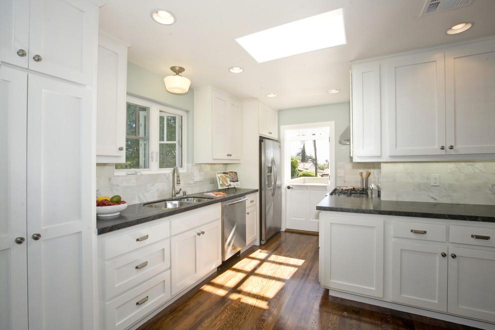 Kitchen - coastal kitchen idea in San Diego