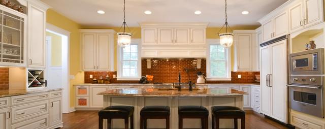 Elberton Way (SL-1561) by architect Mitchell Ginn traditional-kitchen