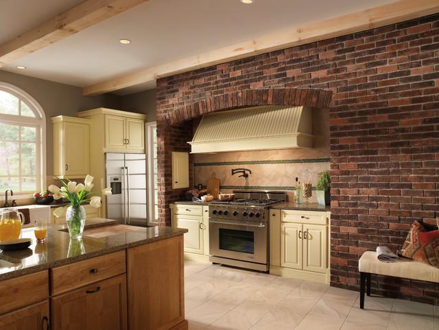 Eldorado stone brick veneer projects farmhouse kitchen for Eldorado stone outdoor kitchen cabinet