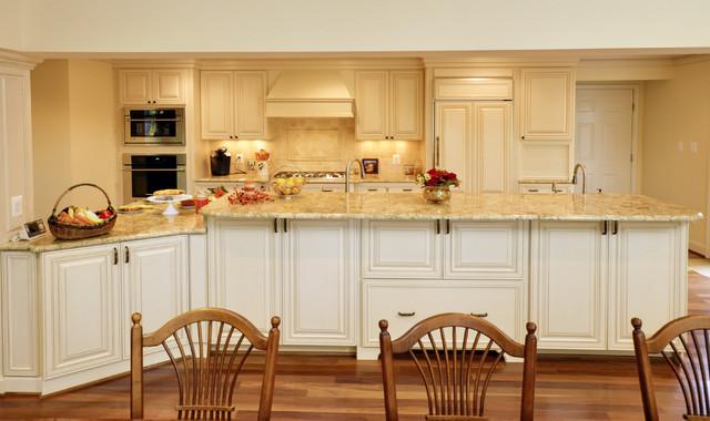 Elegant French Country Kitchen Traditional Kitchen