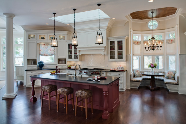 Elegant Lakeside Kitchen Traditional Kitchen Chicago By Drury Design