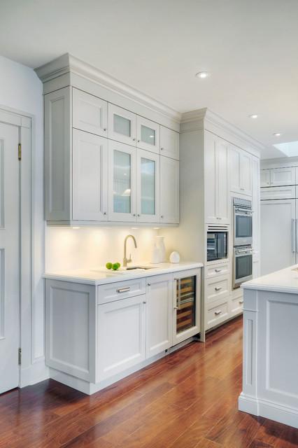 Elegant white kitchen for Traditional elegant kitchens