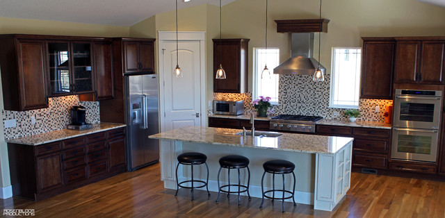 Elite Homes - Traditional - Kitchen - denver - by American Cabinet and Flooring, Inc.