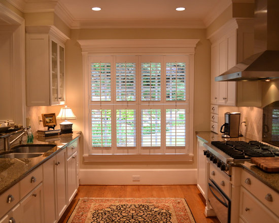 Elite Traditional Plantation Styles - Elite traditional style double hung plantation shutters.