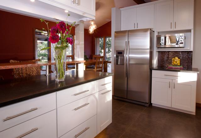 Elliott Interiors transitional-kitchen