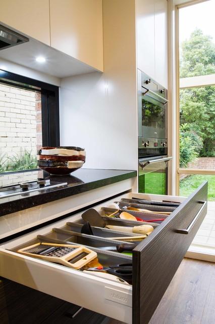 Elsternwick Kosher Kitchen Laundry Tv Unit Modern Kitchen Melbourne By The Kitchen