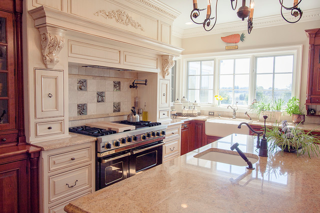 Ely Farms Custom Kitchen Traditional Kitchen