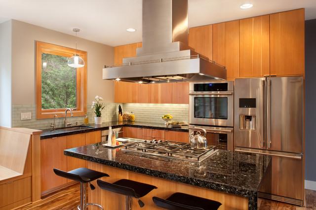 Attirant Emerald Pearl Granite   Contemporary   Kitchen   Portland ...