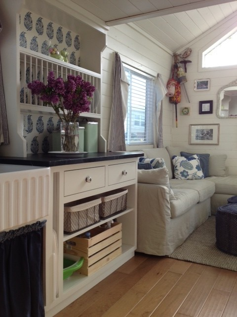 Encinitas Cottage/Mobile Home traditional-kitchen