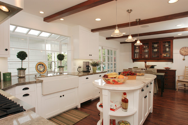 Encino nantucket for Nantucket style kitchen