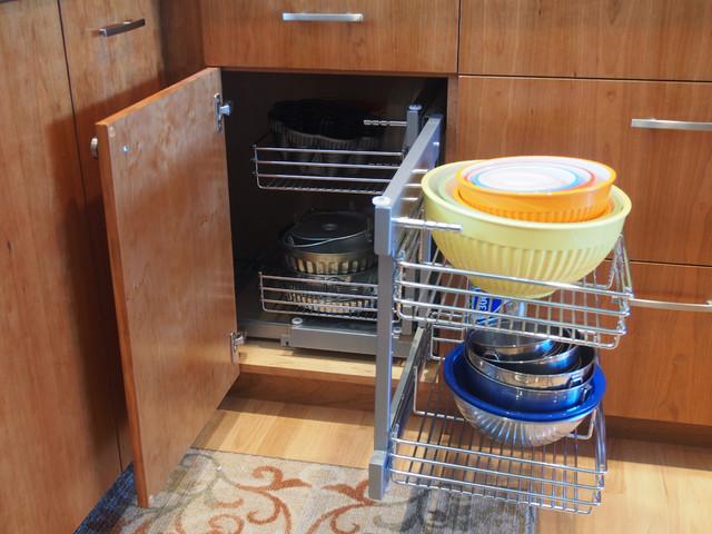Endow Kitchen and Bath traditional-kitchen