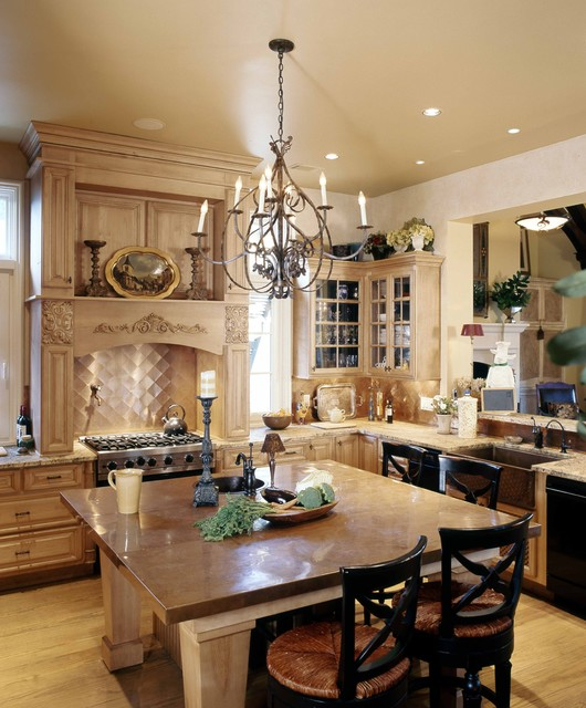 English Country traditional-kitchen