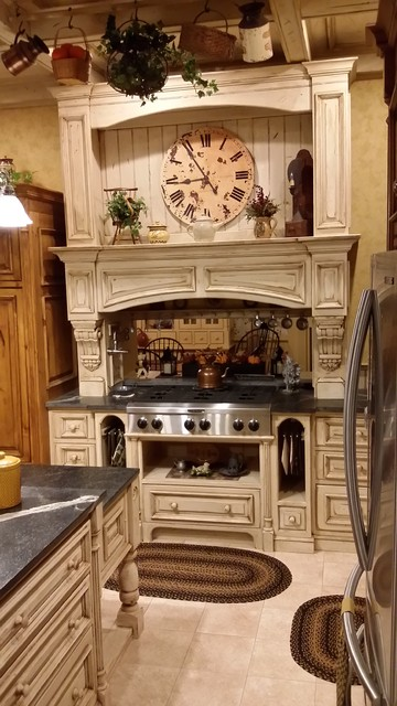 English Country Kitchen Country Kitchen Detroit By Lee S Custom Woodshop