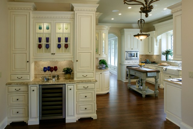 English old world traditional kitchen chicago by for Traditional english kitchen