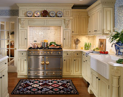 English style in Ridgewood traditional kitchen