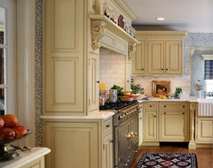 English style in Ridgewood traditional-kitchen