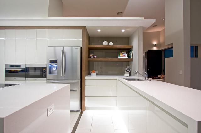 Ephriam Island  Gold Coast contemporary kitchen
