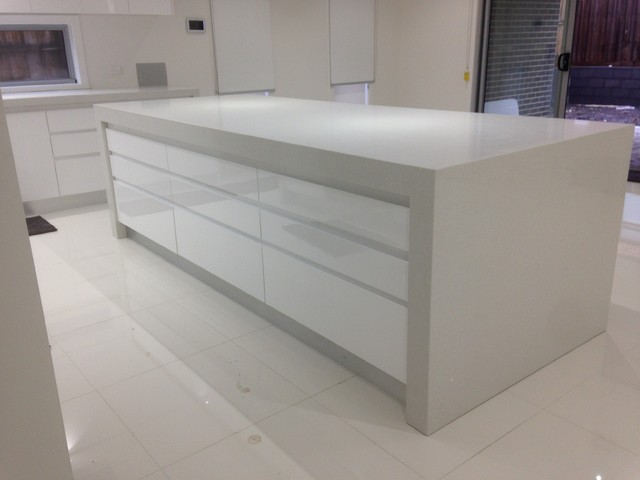 Epping house modern kitchen melbourne by sanyc for Outdoor furniture epping