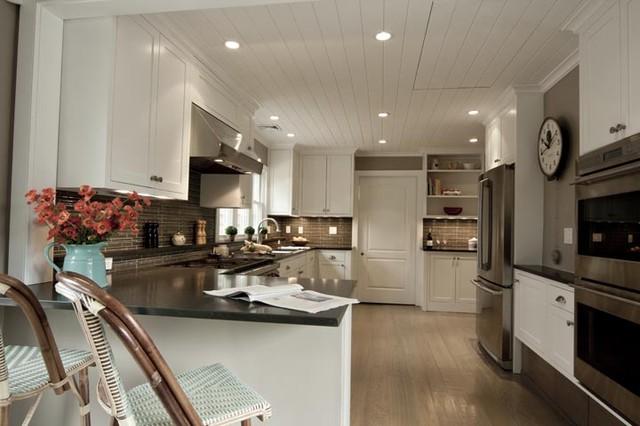 Erica Kitchen, Amagansett traditional-kitchen