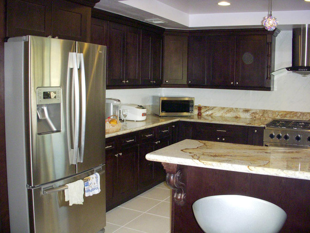 Espresso Shaker Kitchen Cabinets Home Design - Traditional - Kitchen - columbus - by Lily Ann ...