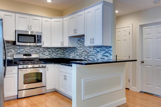 Essex Shaker White - RTA In Stock Kitchen CabinetsContemporary Kitchen, New York