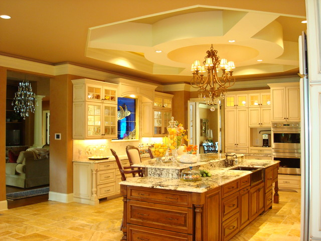 European and Tuscan style gourmet kitchen traditional-kitchen