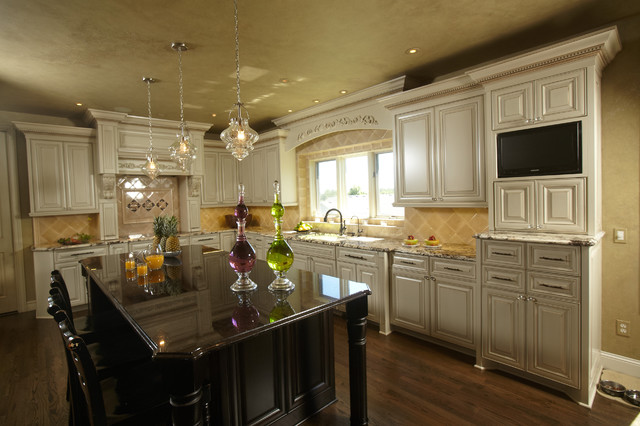 European Styling traditional kitchen