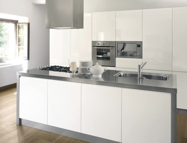 Eva modern white kitchen Kitchen london by Imagine