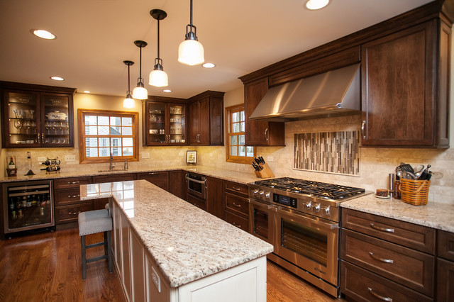 Everyday Elegance In North Naperville Traditional Kitchen Chicago By