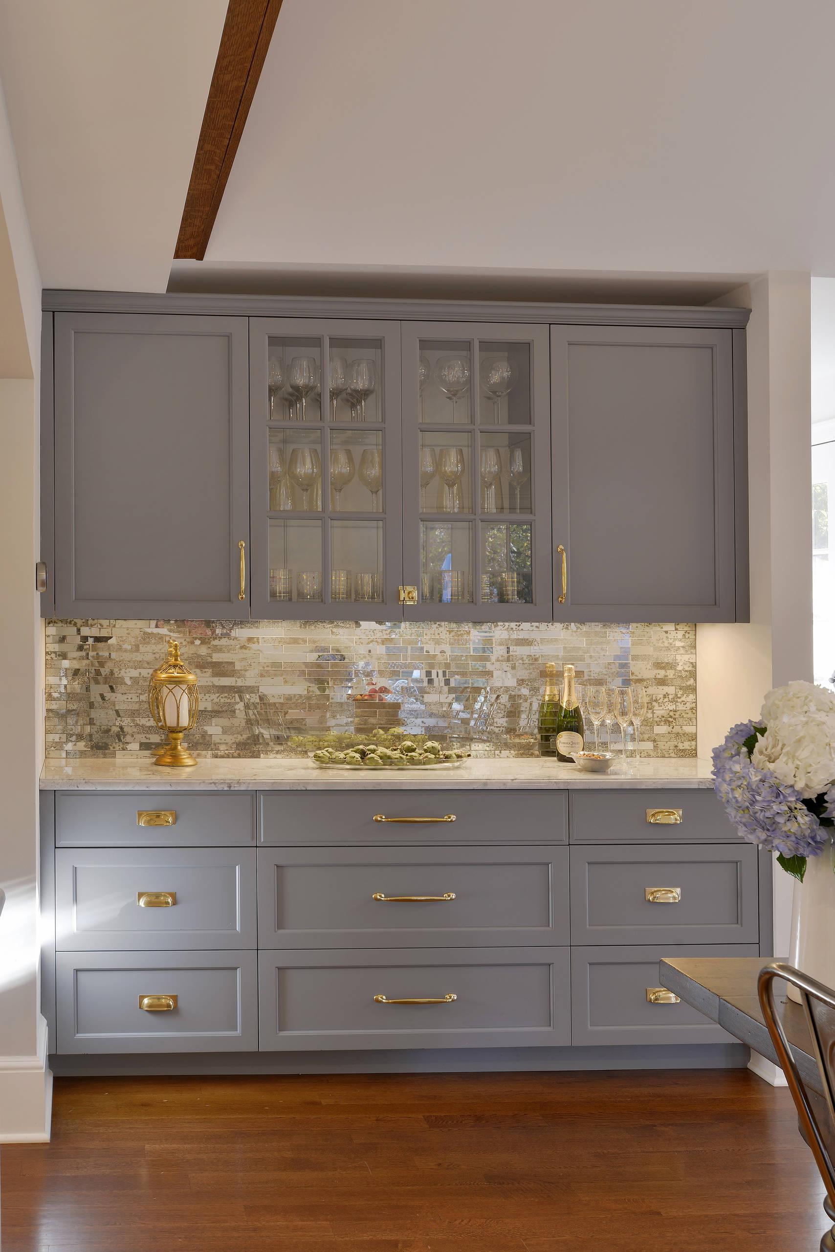 75 Beautiful Kitchen With Mirror Backsplash Pictures Ideas July 2021 Houzz