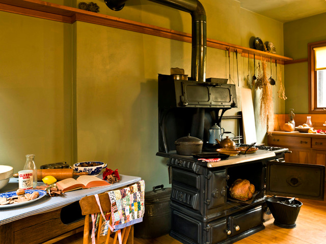 frank lloyd wright home studio traditional kitchen chicago by cynthia lynn photography. Black Bedroom Furniture Sets. Home Design Ideas