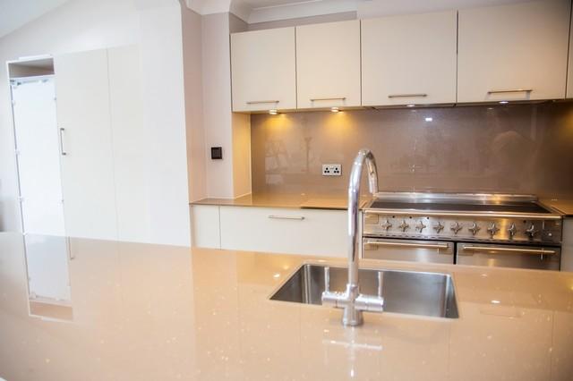 Quot Expresso Delight Quot Glitter Glass Kitchen Worktop Island