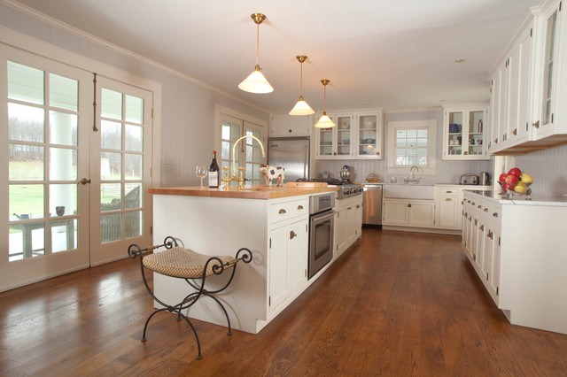 Extreme Makeover In Millbrook Traditional Kitchen