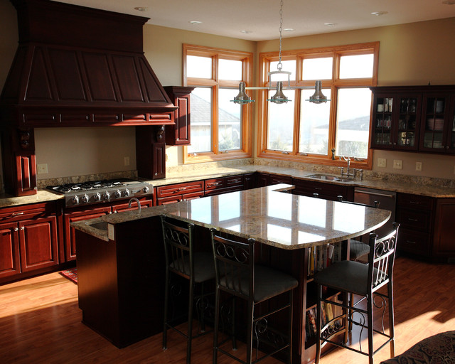 F Residence traditional-kitchen