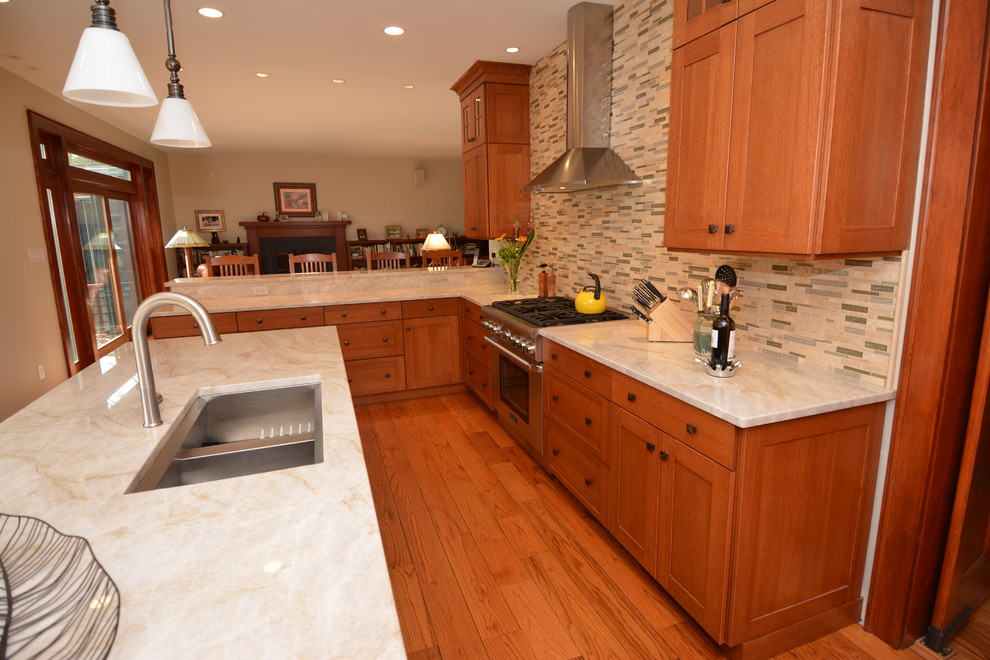 Fabulous Arts and Crafts Home Features Stunning Shaker ...