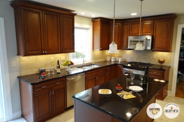 Fabuwood Kitchens Built By Aurora Kitchens U0026 Interiors Traditional Kitchen
