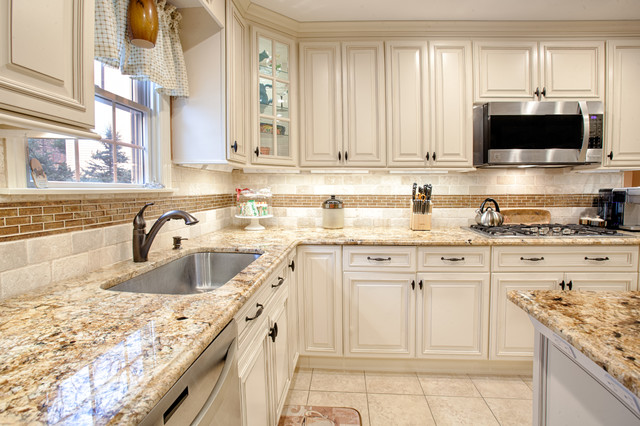 Fabuwood Wellington Ivory Glaze Kitchen Traditional Kitchen New York By Dk Kitchen