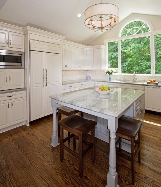 Houzz Off White Kitchen Cabinets: Fairfax Station Elegant Off-White Kitchen Traditional-kitchen