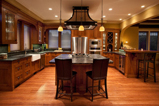 Fairfield Arts and Craft - Traditional - Kitchen - Vancouver - by Sheri P. Interior Design