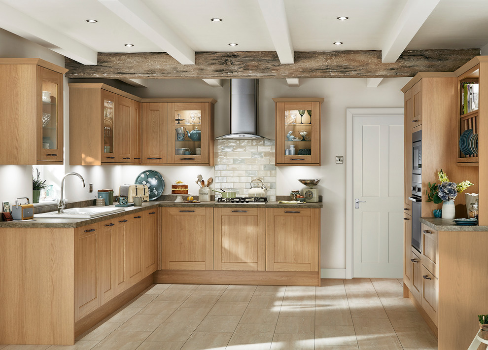 Fairford Light Oak Shaker Style Kitchen Traditional Kitchen Other By Howdens