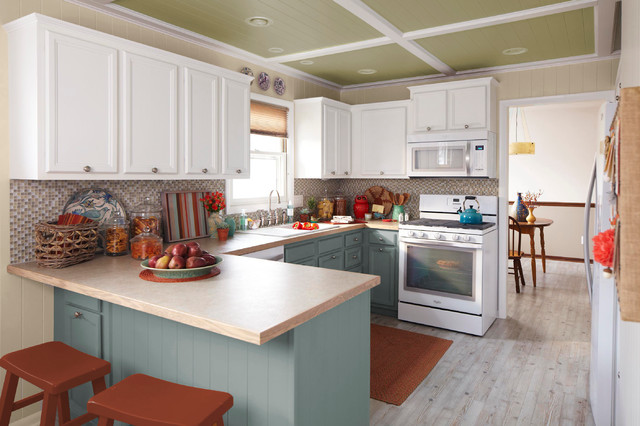 Fall Kitchen Makeover with Natural Accents - Traditional ...