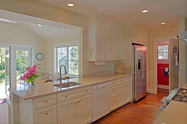 Falls Church Kitchen traditional-kitchen
