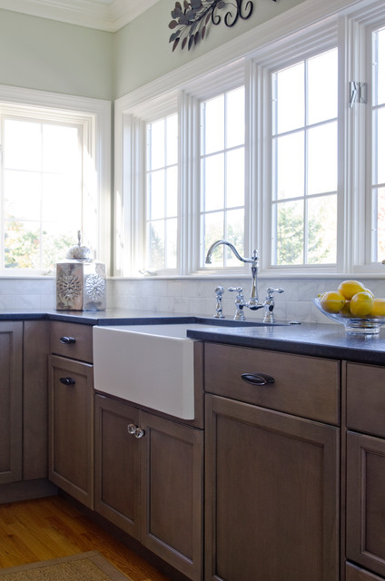Falmouth renovtion farmhouse kitchen portland maine by kitchen cove cabinetry design - Kitchen design portland maine ...