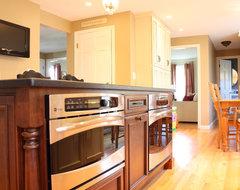 Family Friendly Kitchen traditional-kitchen