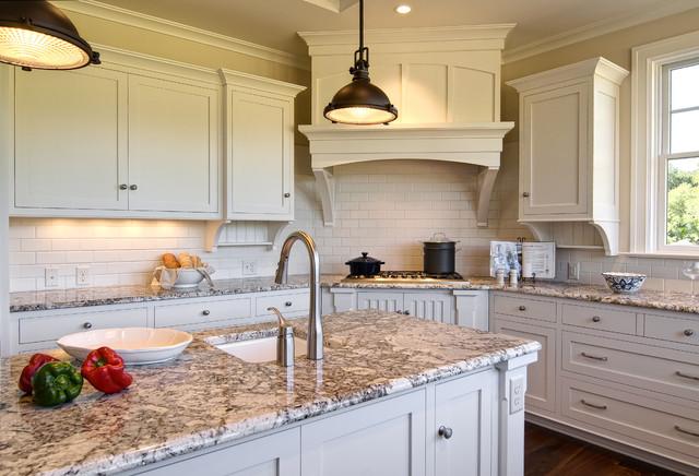 Farinelli Construction Inc traditional-kitchen