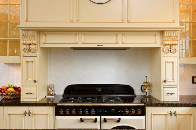 Farmers - Showcasing projects built and designed by The Maker Designer Kitchens traditional-kitchen