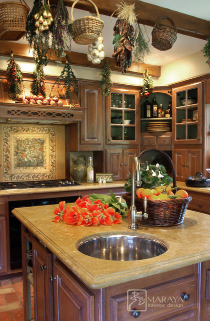 Farmhouse Cottage Kitchen Country Kitchen Los Angeles By Maraya Interior Design Houzz Uk
