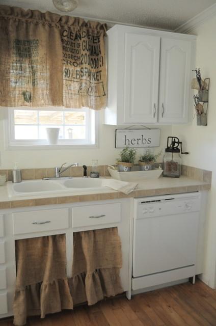 Farmhouse Kitchen - Shabby-chic Style - Kitchen - New ...